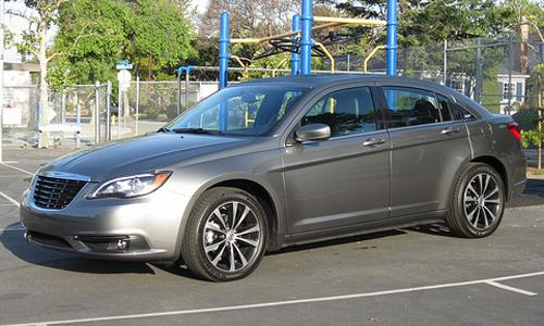 Chrysler 200 2012 review