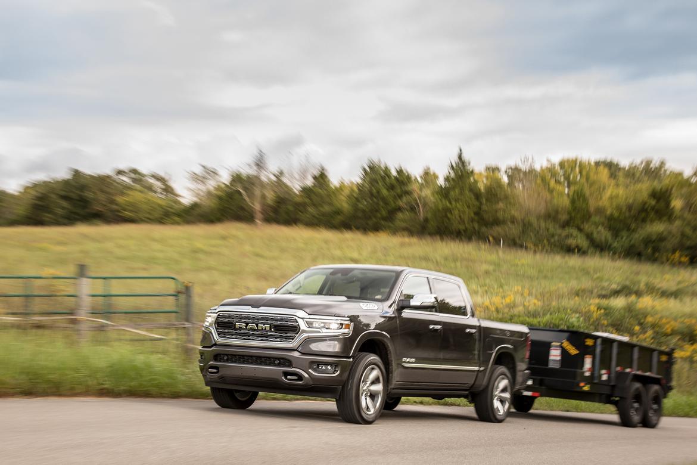 05-ram-1500-limited-crew-cab-2019-angle--black--dynamic--exterio