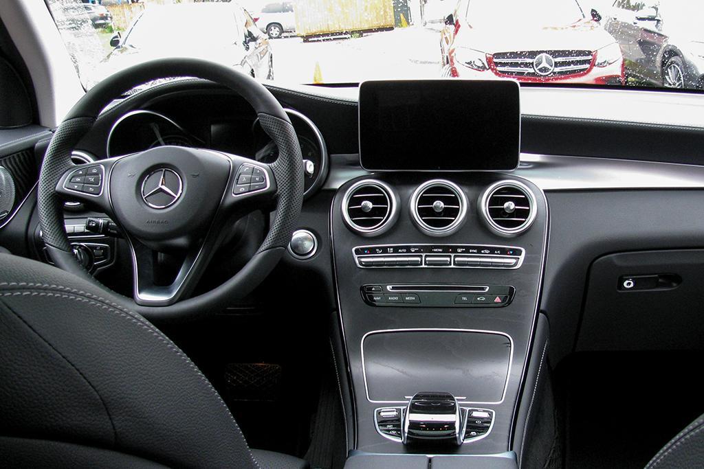 16Mercedes-Benz_GLC_WJ_03.jpg