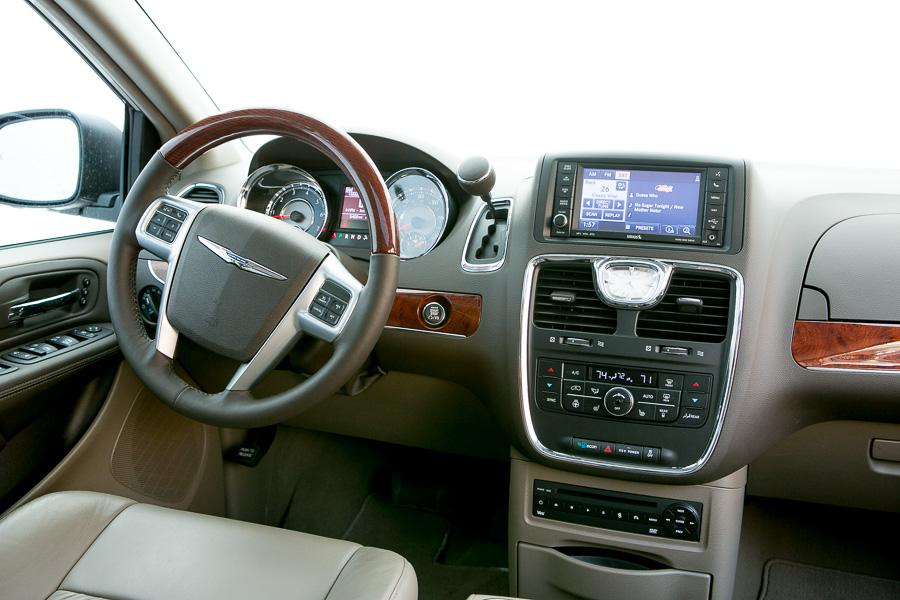 2013 chrysler town country our review. Black Bedroom Furniture Sets. Home Design Ideas