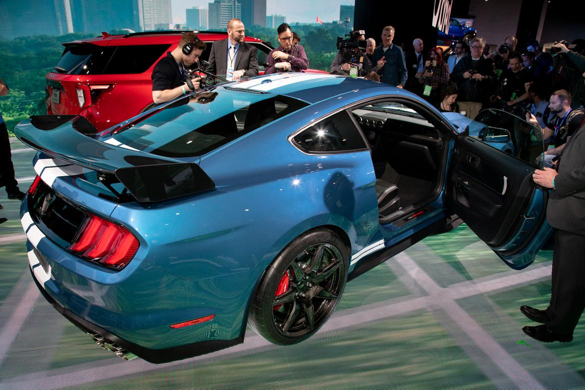 11-<a href=https://www.sharperedgeengines.com/used-ford-engines>ford</a>-mustang-shelby-gt500-2020-cl.jpg