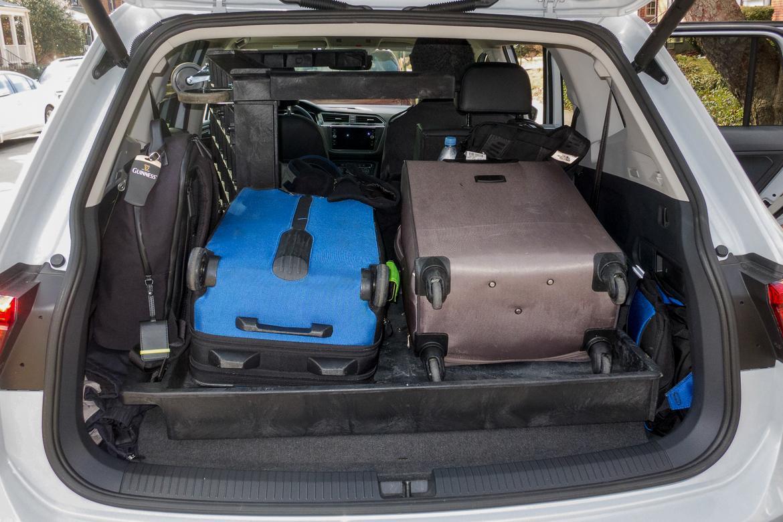 02-volkswagen-tiguan-sel-premium-4motion-2018-cargo--interior.jp