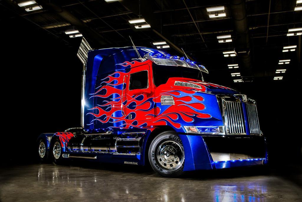 optimus_prime_truck.jpg