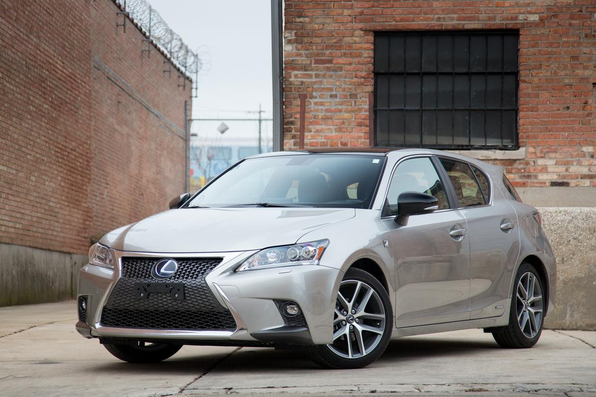 2017 Lexus Ct 200h Our Review Cars Com