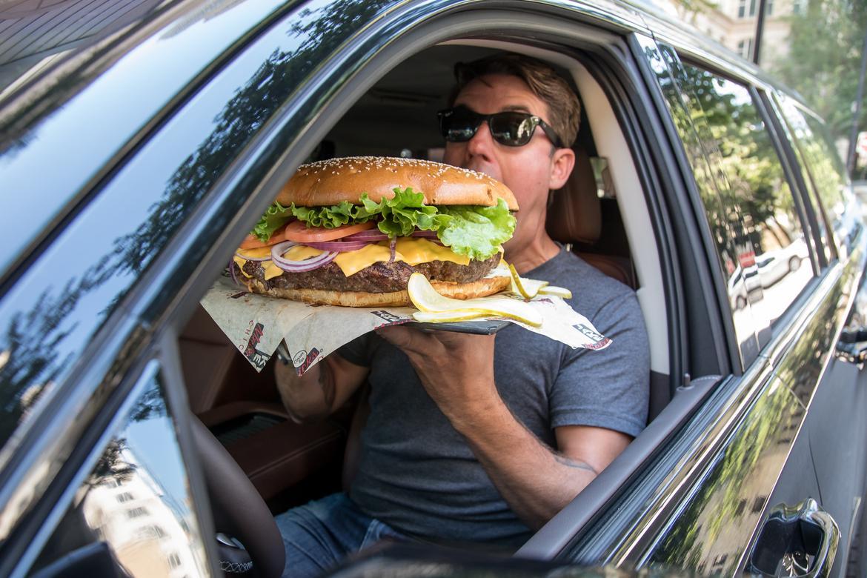 01-chevrolet-suburban-rst-2019-cheeseburger-.jpg