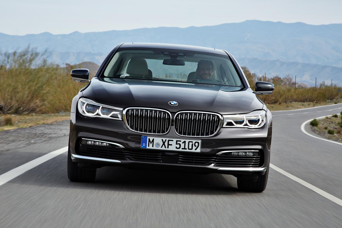 2016 Bmw 7 Series First Look News Cars Com