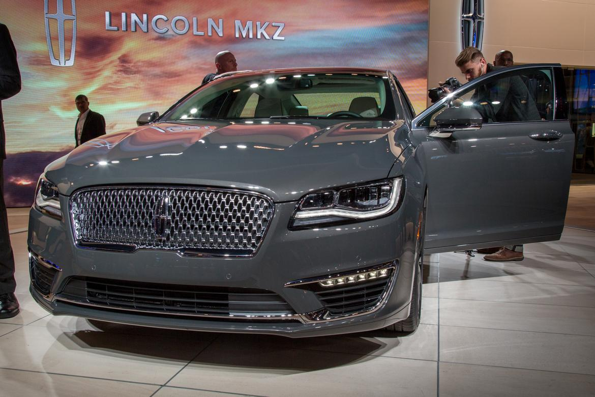 17lincoln Mkz As Ac 02 Jpg