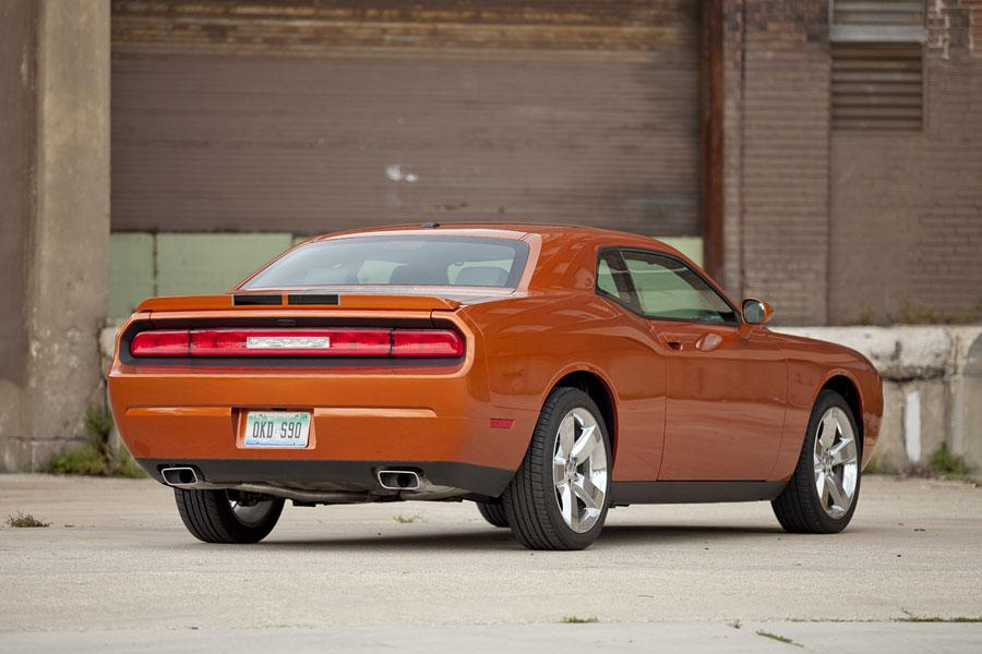 2012 dodge challenger our review. Black Bedroom Furniture Sets. Home Design Ideas