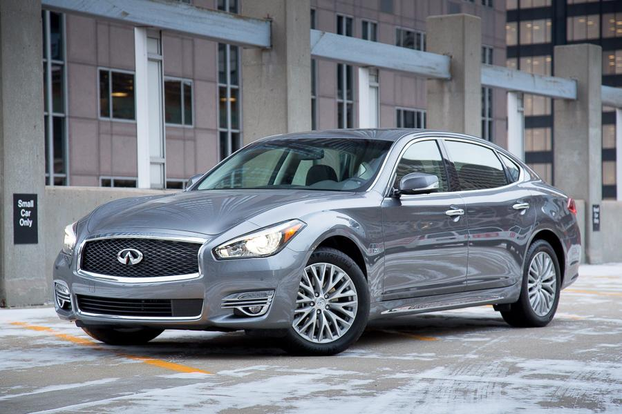 2015 infiniti q70 our review. Black Bedroom Furniture Sets. Home Design Ideas