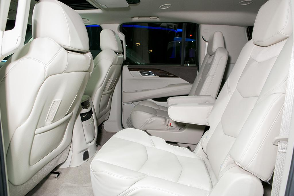 Which 2014, 2015 Three-Row SUVs Offer Captain's Chairs? | News | Cars.com