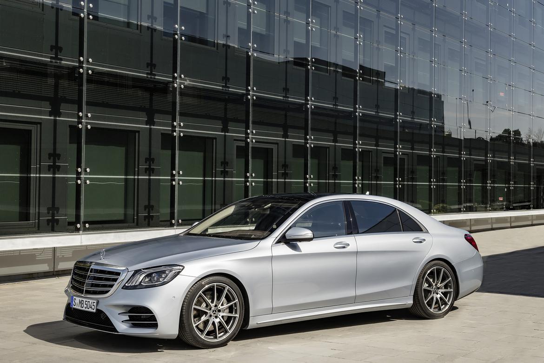 18Mercedes-Benz_S-Class_OEM_04.jpg