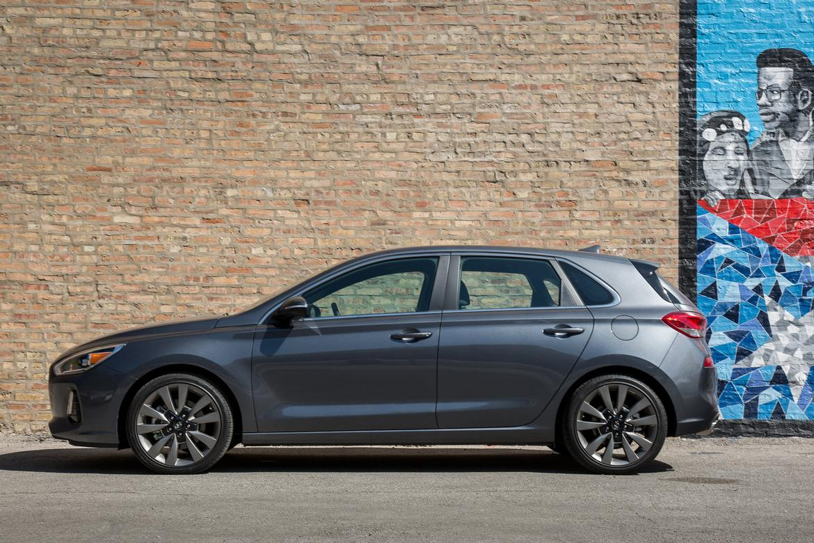 2018 hyundai elantra gt our review. Black Bedroom Furniture Sets. Home Design Ideas