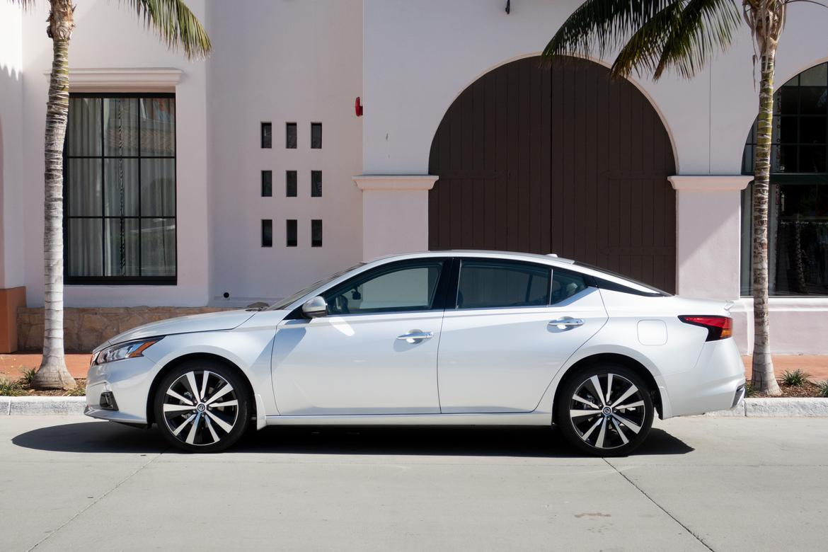 12-<a href=https://www.autopartmax.com/used-nissan-engines>nissan</a>-altima-2019-bw.jpg