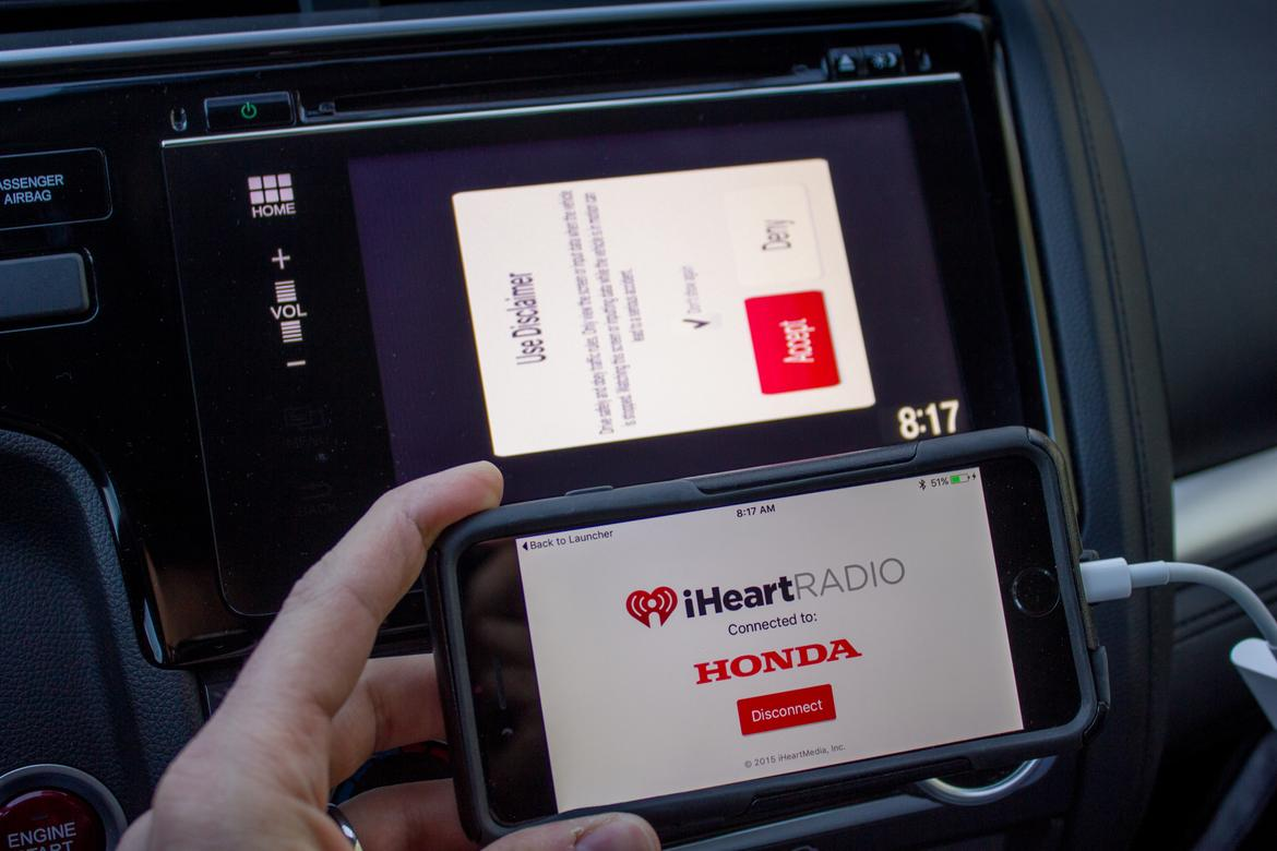 2015 honda fit apps remind us why apple carplay android for Honda car app