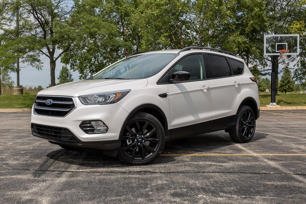 Ford Escape 2017 01 Angle Dynamic Exterior Front