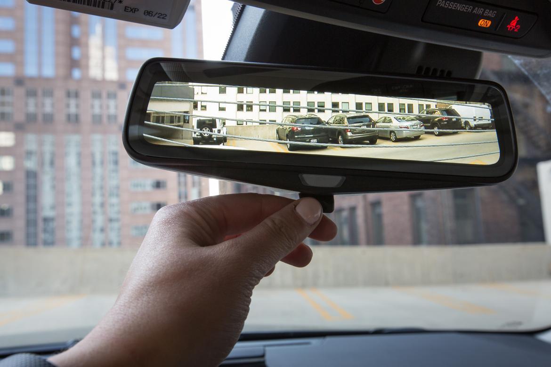 Reflections On Cadillac S Rear Camera Mirror News Cars Com