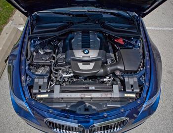 BMW Our Review Carscom - Bmw 650i engine