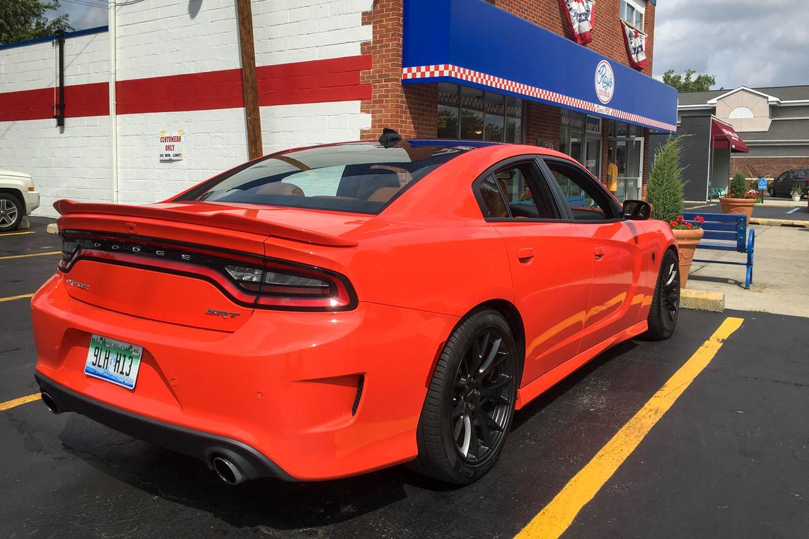 2016 dodge charger srt hellcat real world fuel economy. Black Bedroom Furniture Sets. Home Design Ideas