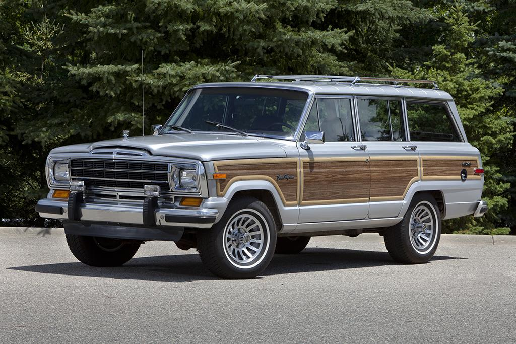 Grands_Jeep_Grand_Wagoneer.jpg