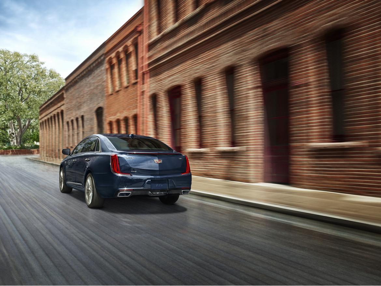 2018-Cadillac-XTS-003.jpg