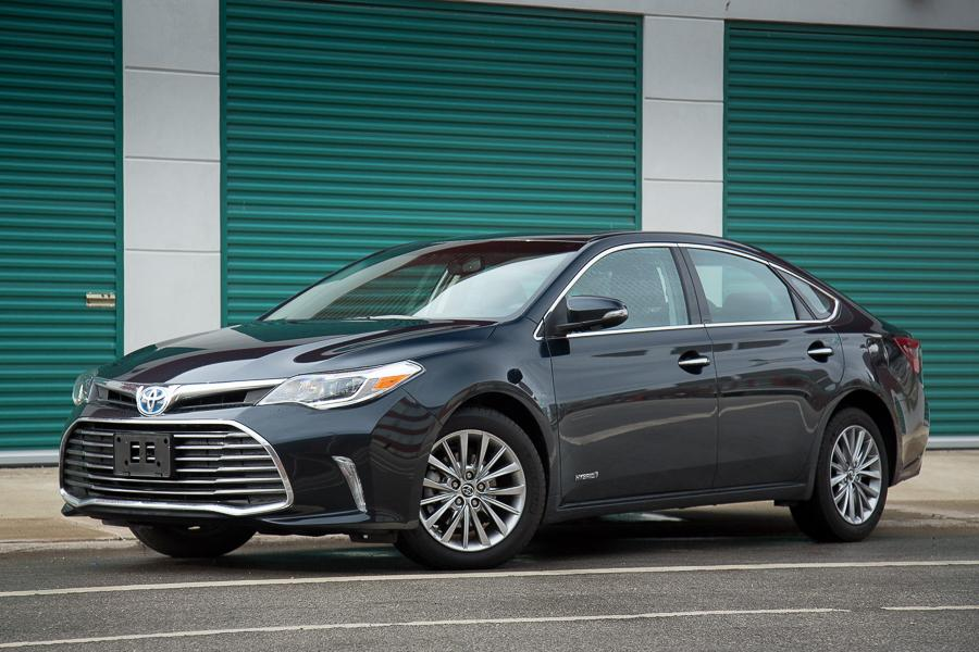 2016 toyota avalon hybrid our review. Black Bedroom Furniture Sets. Home Design Ideas