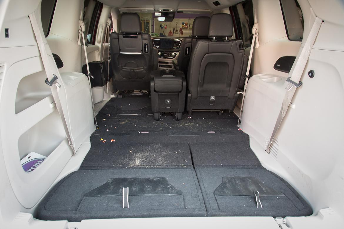How 39 S Our Chrysler Pacifica 39 S Interior Holding Up After 9