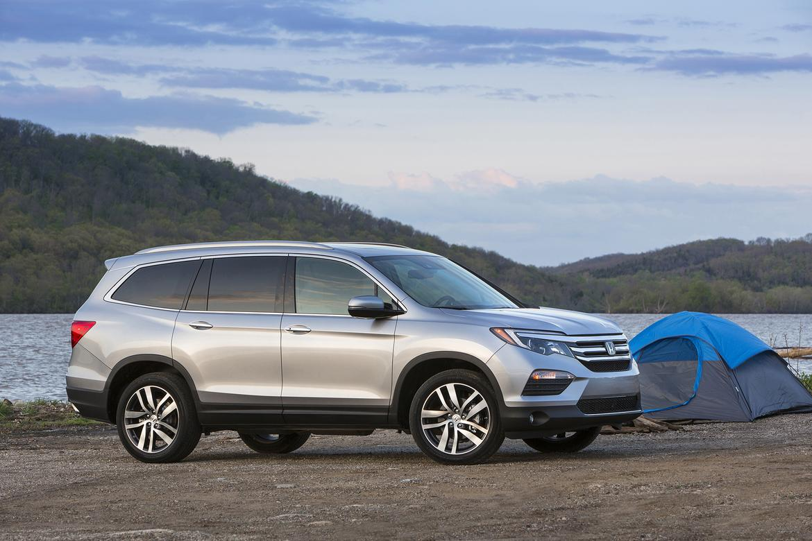 2018 honda pilot gets price bump not much else news for Honda pilot 2018 review