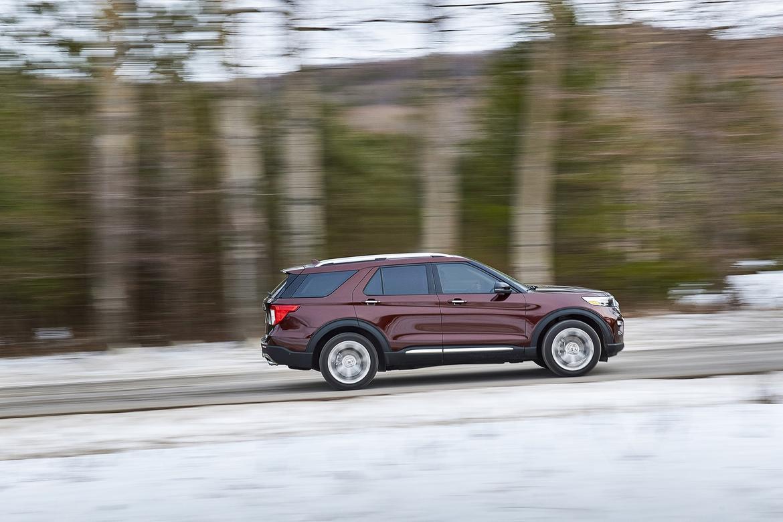 6-Ford-Explorer-Platinum.jpg
