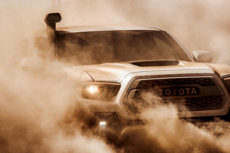 Toyota Tacoma TRD Pro 2018 CAS tease OEM..jpg