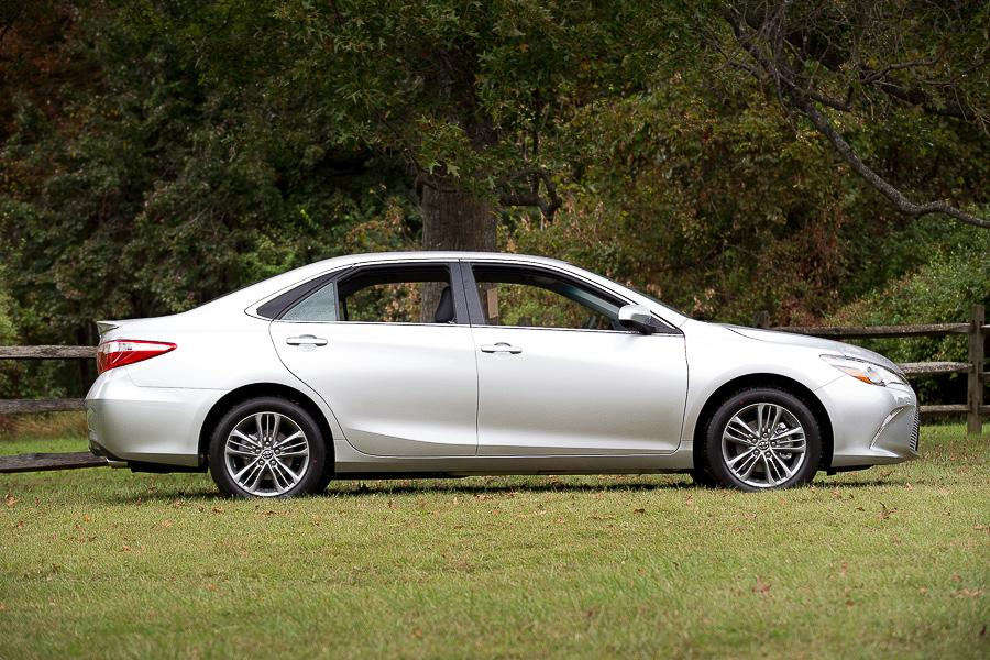2016 toyota camry our review. Black Bedroom Furniture Sets. Home Design Ideas