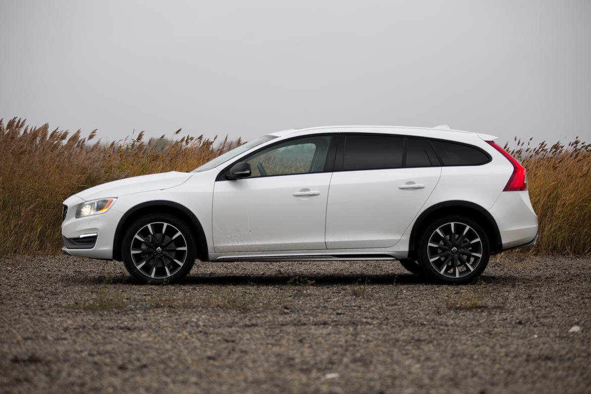 2016 volvo v60 cross country review news. Black Bedroom Furniture Sets. Home Design Ideas