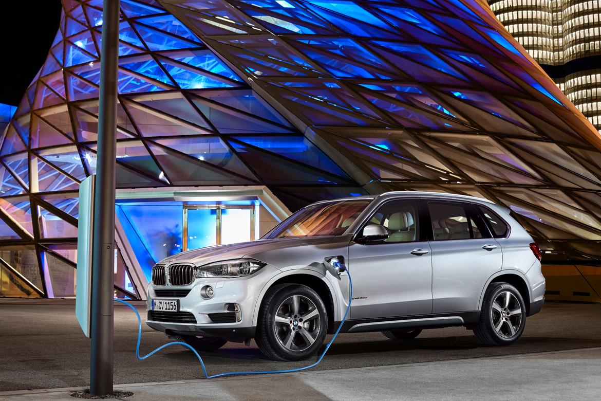 hybrid iperformance of awd review plugin suv with bmw an
