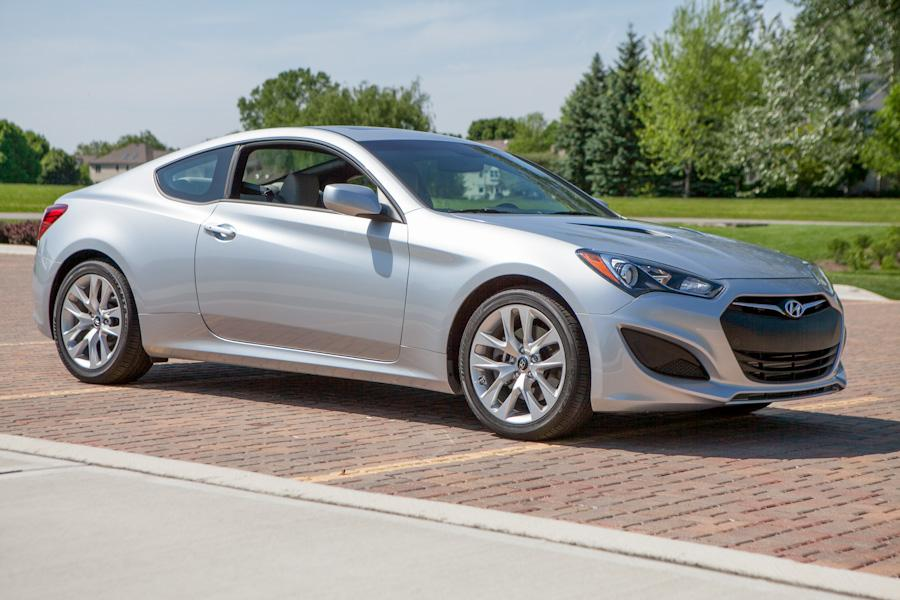 2013 hyundai genesis coupe our review. Black Bedroom Furniture Sets. Home Design Ideas