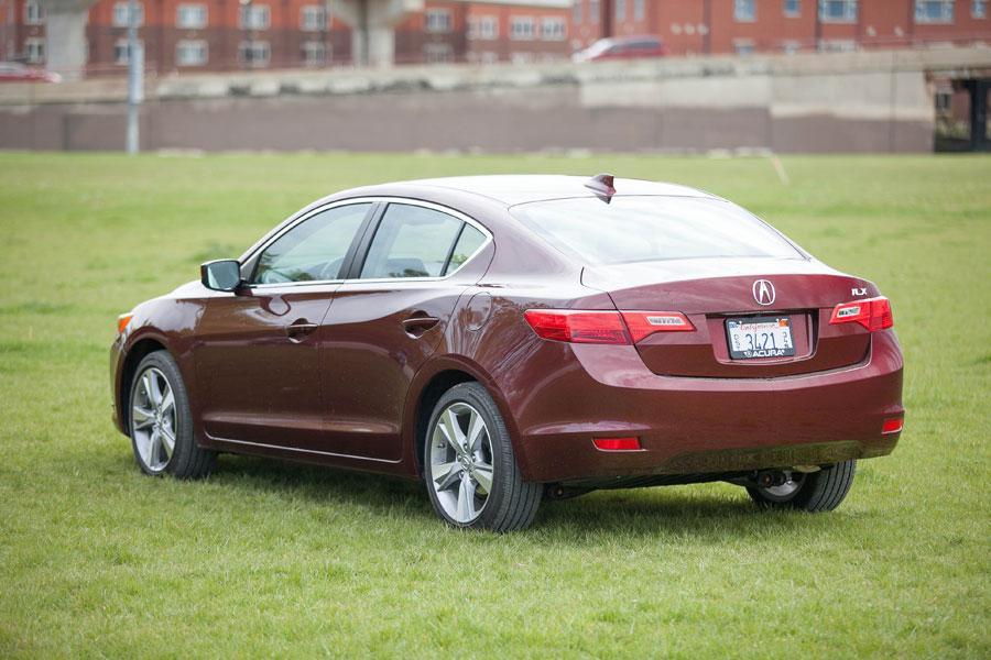 2014 Acura ILX - Our Review | Cars.com