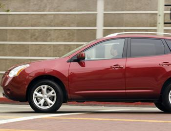 2008 nissan rogue our review. Black Bedroom Furniture Sets. Home Design Ideas