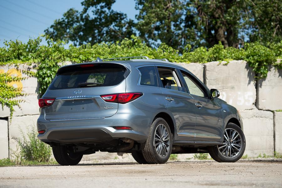 2016 INFINITI QX60 - Our Review   Cars.com