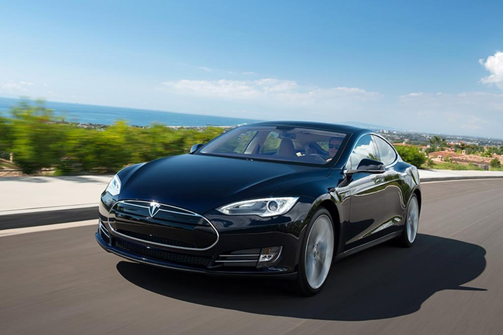 How Quickly Does The Tesla Model S Battery Charge News Carscom - A tesla