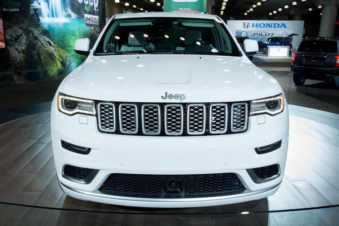 2017 Jeep Grand Cherokee What S Changed News Cars Com