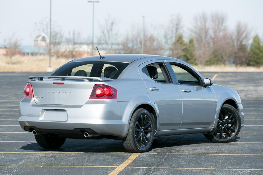 2014 dodge avenger our review. Black Bedroom Furniture Sets. Home Design Ideas