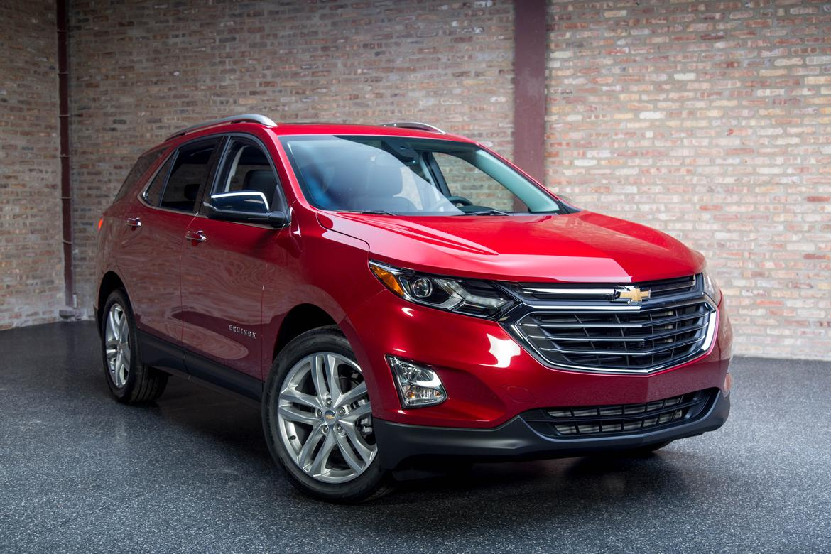does the 2018 chevrolet equinox improve blind spot visibility news. Black Bedroom Furniture Sets. Home Design Ideas