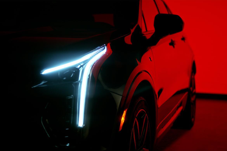 2019 Cadillac XT4 Tease OEM 2.jpg
