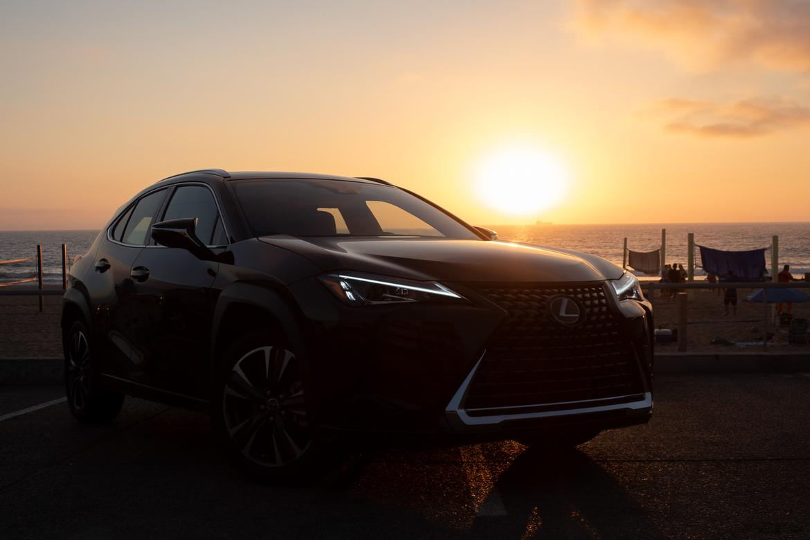 01-<a href=https://www.sharperedgeengines.com/used-lexus-engines>lexus</a>-ux-200-2019-first-drive-bw.jpg