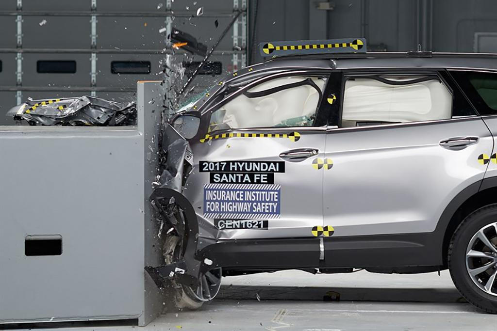 17 Hyundai Santa Fe Top Safety Pick Plus Jpg
