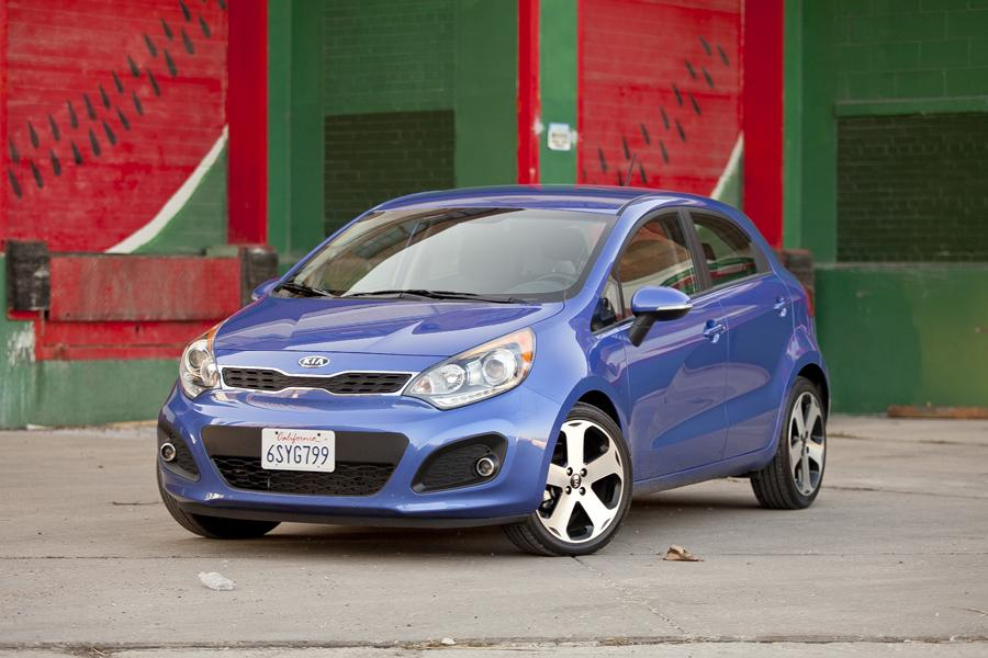 2013 kia rio our review. Black Bedroom Furniture Sets. Home Design Ideas