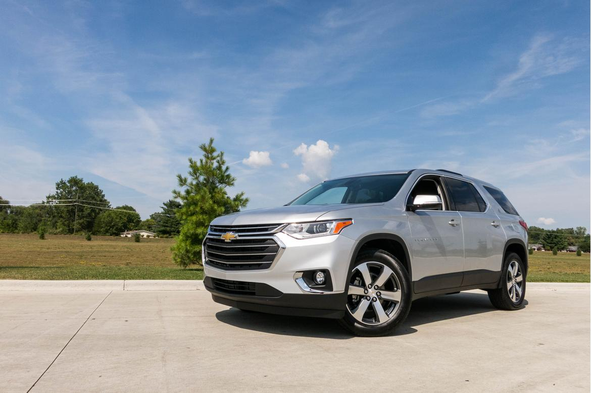 Chevrolet Traverse 2018 Angle Exterior Front Outdoors Silver