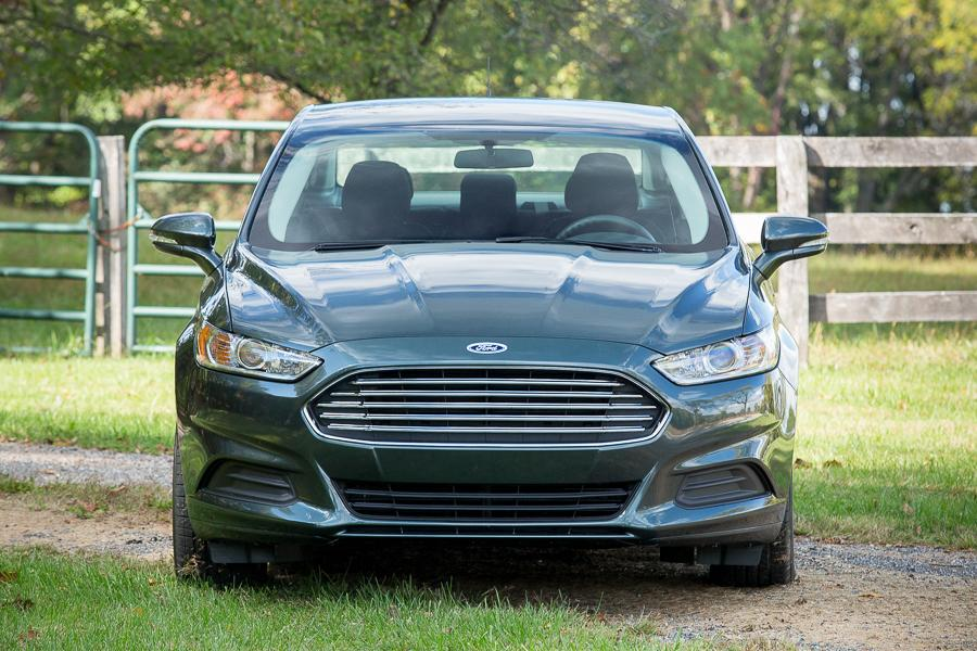 2016 ford fusion our review. Black Bedroom Furniture Sets. Home Design Ideas
