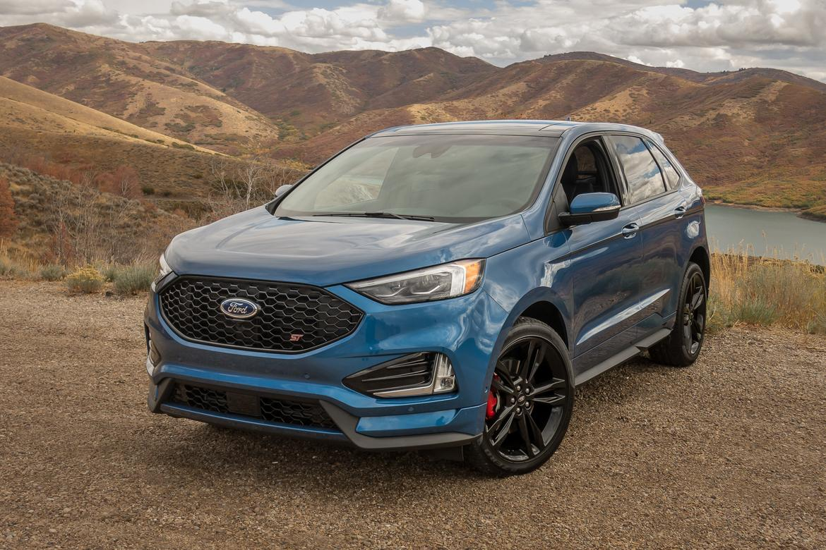 Ford Edge St Mashes Up Performance And Practicality News Cars Com