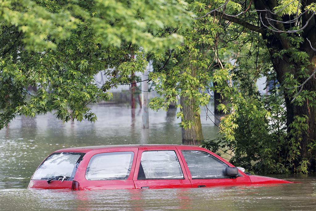 beware of flood damaged used cars news. Black Bedroom Furniture Sets. Home Design Ideas