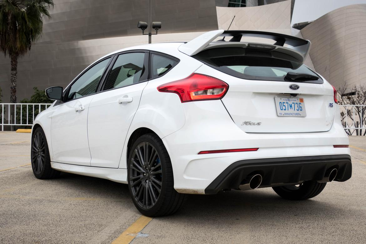 2017 ford focus rs our review. Black Bedroom Furniture Sets. Home Design Ideas
