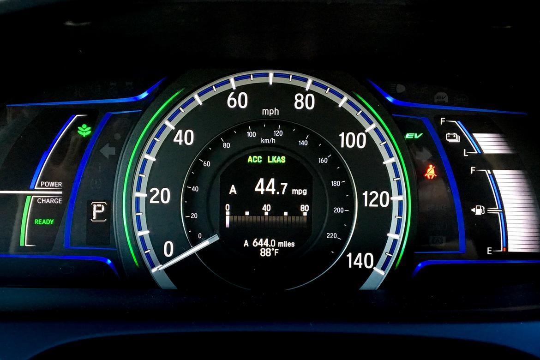07_Honda_AccordHybrid_FM.jpg